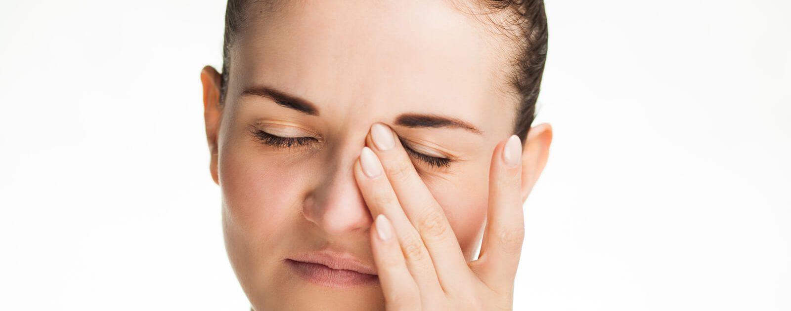 Die Nasennebenhöhlenentzündung kann heftige Schmerzen auslösen.