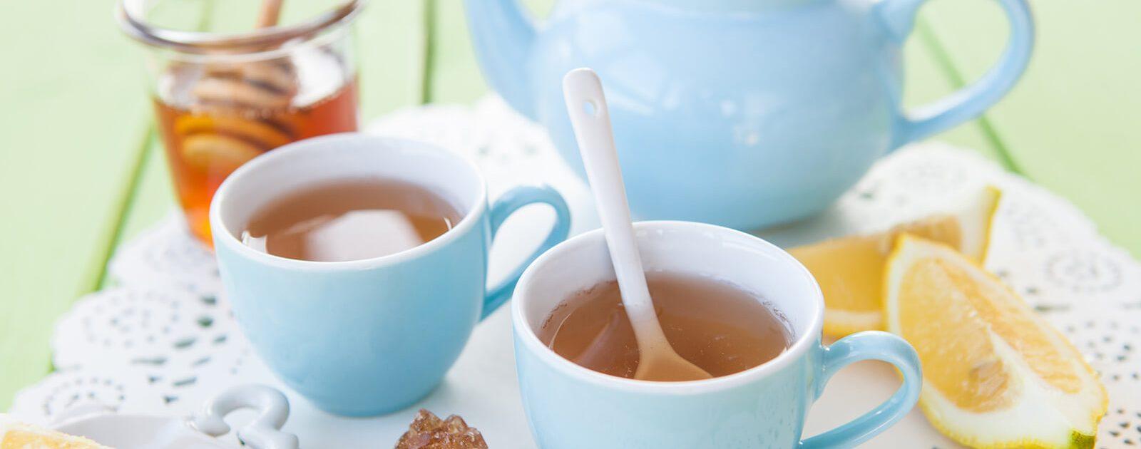Tee gilt als Hausmittel gegen Schnupfen