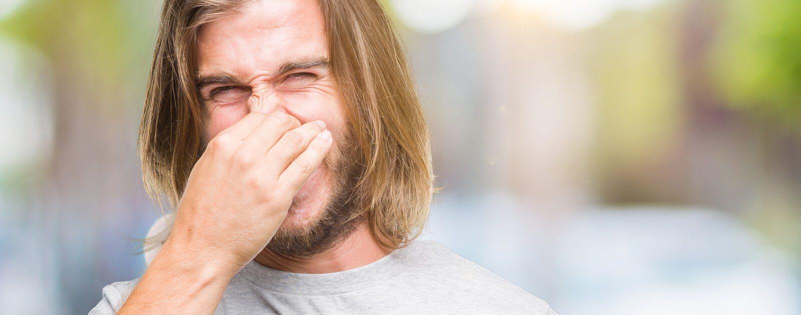 Bei der Stinknase verströmt die Nase einen üblen Geruch.